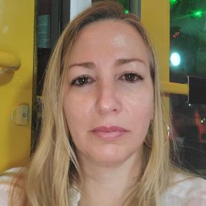 Alina Santalla (Miami Office)